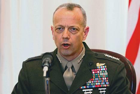 Afganistanin Isaf-joukkojen komentaja, kenraali John Allen lähetti tutulleen Jill Kelleylle 20–30000 sivua sähköpostiviestejä.
