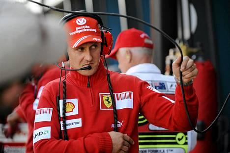 Michael Schumacher vietti menestysvuotensa Ferrarilla. Hän loukkaantui vakavasti alppihiihto-onnettomuudessa vuoden 2013 lopussa.