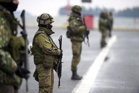 Puolustusvoimissa on havaittu uusia koronavirustartuntoja.