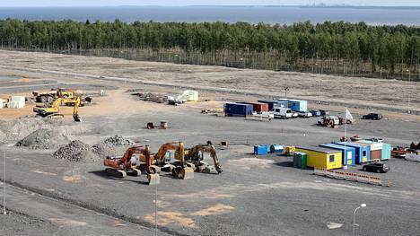 Fennovoiman voimalahanke Pyhäjoella ei ole vielä saanut rakennuslupaa, mutta yhtiö on jo aloittanut maanrakennustyöt tontilla.