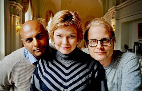 Hype-musikaalin tähdet Tino Singh (vas.), Micaela Fagerholm-Valkama ja Paavo Kerosuo ovat mukana muistelemassa ilmiötä 25 vuotta myöhemmin.