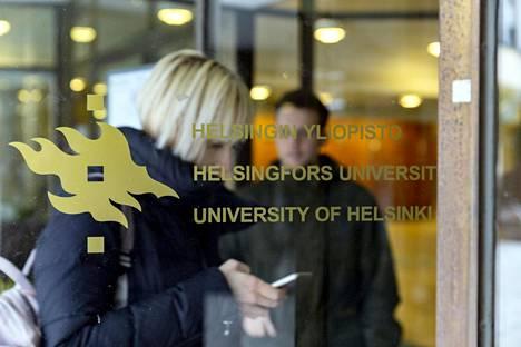 Yliopistoilla on yhteensä satoja valintakokeita, jotka koskettavat kymmeniätuhansia hakijoita.