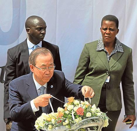 YK:n pääsihteerin Ban Ki-moon osallistui Ruandan kansanmurhan muistotilaisuuteen Kigalissa maanantaina.