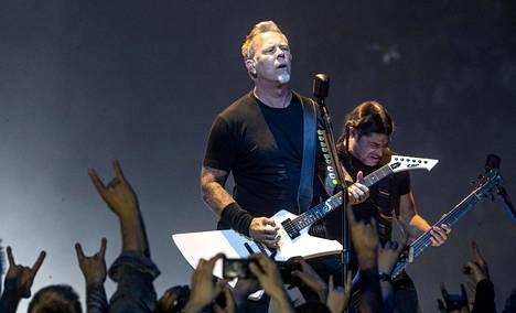 Metallican James Hetfield ja Rob Trujillo Hartwall Areenalla.