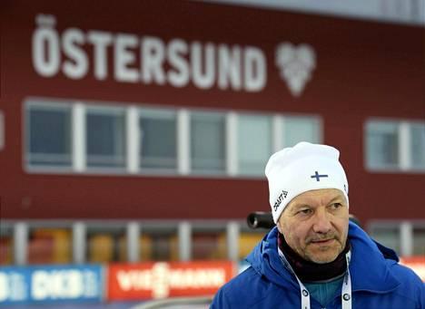 Päävalmentaja Antti Leppävuori on Östersundissa ensi kertaa ampumahiihdon maailmancupissa.