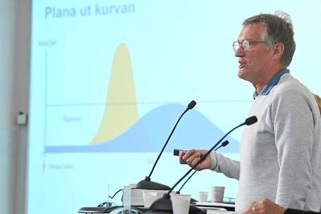 Ruotsin pääepidemiologi Anders Tegnell koronavirustilannetta käsittelevässä tiedotustilaisuudessa 9. kesäkuuta.
