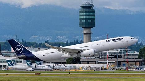 Lufthansan lentokone oli nousemassa Vancouverin kansainväliseltä lentokentältä 9. heinäkuuta.
