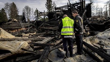 Ylivieskan puukirkko tuhoutui maaliskuussa täysin.