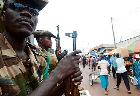 Afrikkalaiset rauhanturvaajat partioivat Keski-Afrikan tasavallan pääkaupungissa Banguissa heinäkuussa.