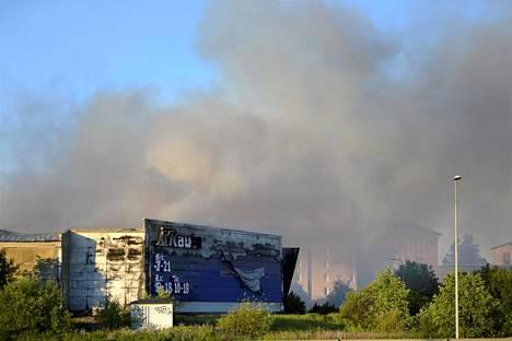 Poliisi epäili alusta asti, että Vantaanportin K-raudan piharakennuksen palo oli sytytetty tahallaan.