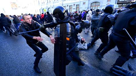 Mielenosoittajat osallistuivat oppositiojohtaja Aleksei Navalnyin tukiprotestiin myös Venäjän kaukoidässä sijaitsevassa Vladivostokin kaupungissa 23. tammikuuta.