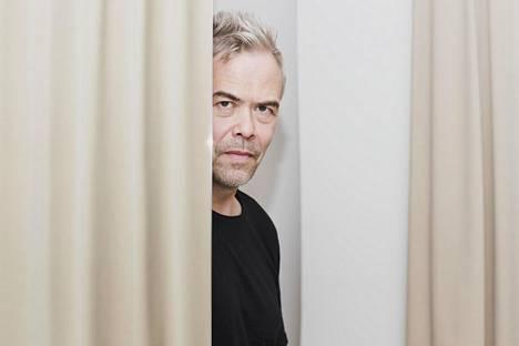 Kapellimestari Hannu Lintu ehtii Kansallisoopperan ylikapellimestariksi odotettua aikaisemmin.