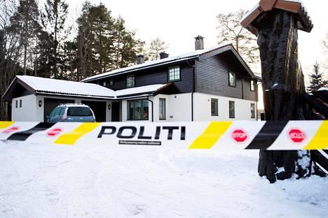 Poliisi oli eristänyt alueita kadonneen Anne-Elisabeth Falkevik Hagenin kodin ympäriltä 11. tammikuuta.