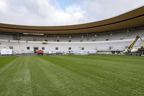 Olympiastadion sai uuden nurmimaton alkusyksyllä ja sitä on leikattu kuusi kertaa.