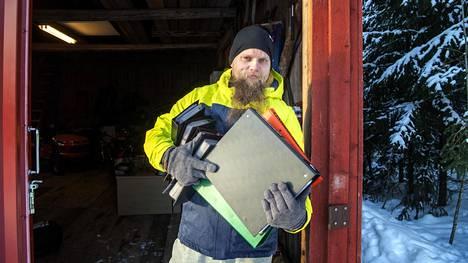 Tommi Suikkasella aloitti käyntikorttien keräämisen ala-asteikäisenä.