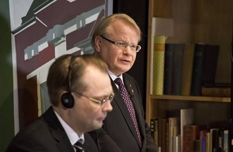 Puolustusministerit Jussi Niinistö (vas.) ja Peter Hultqvist tapasivat Helsingissä viime maaliskuussa.