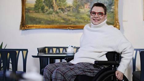 Terhi Pulli työskentelee kunnallispolitiikassa ja vammaistyöhön liittyvissä luottamustehtävissä.