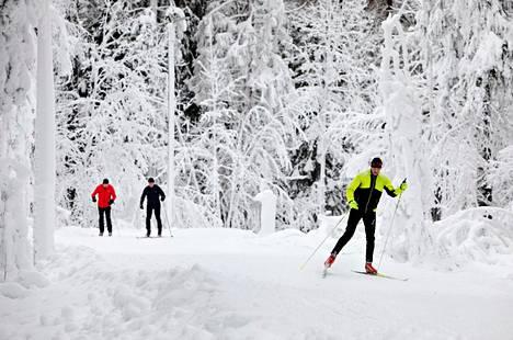 Tammikuun alussa Paloheinässä riitti hiihtäjiä. Hiihtäjät eivät liity lauantain tapaukseen.