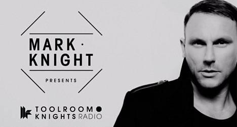 Mark Knight pyörittää levyjä maaliskuussa Serenassa. Kuvankaappaus Youtubesta.