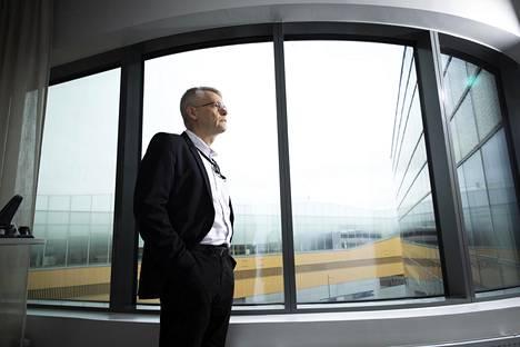 Kuitumateriaaleja valmistavaa Ahlstromia ja pakkausyhtiö Huhtamäkeä johtanut Jukka Moisio aloitti vuosi sitten Nokian Renkaiden toimitusjohtajana.