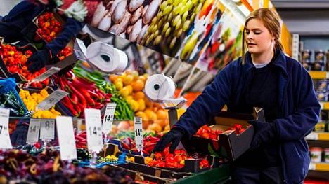 Heinon tukku avasi Helsingissä ja Vantaalla olevien pikatukkujen ovet kuluttaja-asiakkaille tällä viikolla.