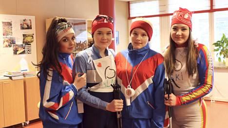 Abien joukosta löytyi myös energinen hiihtotiimi. Tiimiin kuuluivat Jenna Nevala, Oona Salmirinne, Milla Ruohoniemi ja Maria Keski-Mattila.