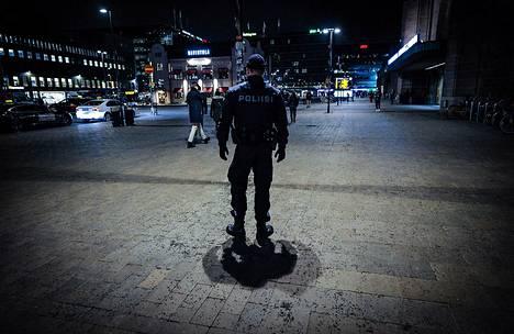 Katuturvallisuus parani poliisin mukaan viime vuonna Suomessa.