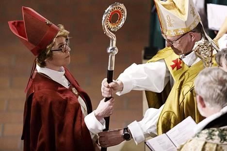 Kaisamari Hintikka vihittiin Espoon uudeksi piispaksi 10. helmikuuta.