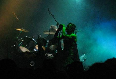 Skinny Puppy esiintyi Lontoossa vuonna 2005.