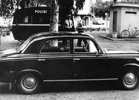 """Porin poliisilla on käytössä laajan kaupungin alueella maamme ensimmäinen """"liikkuva poliisiasema"""", poliisiasuntovaunu."""