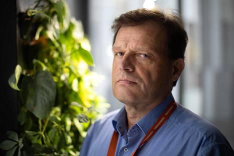 Fennovoiman toimitusjohtaja Joakim Specht sanoo, että hiilidioksidipäästöjen vähentäminen lisää sähkön kysyntää. Yhtiössä arvioidaan, että henkilöautoliikenteen sähköistäminen Suomessa vaatisi toisen Hanhikivi-voimalan verran uutta tuotantoa.