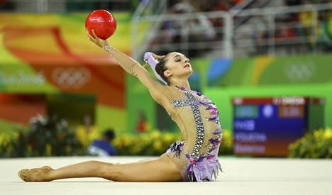 Ekaterina Volkova voimisteli puhtaan sarjan neliottelun karsinnassa.