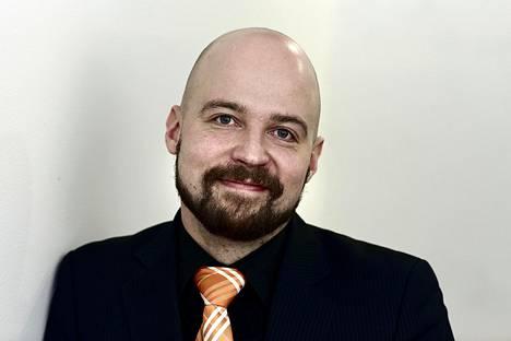Kansanedustaja Mikko Kärnä.