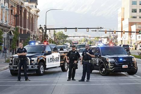 Poliisit sulkivat kadun 1. heinäkuuta Utahin osavaltiossa, jossa rasismia vastustava mielenosoittajat marssivat.