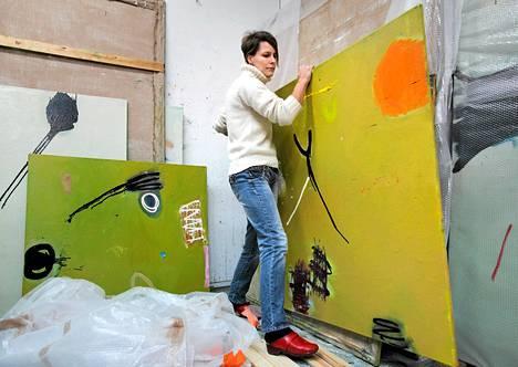 Kuvataiteilija Anne Rossi on saanut runsaasti apurahoja Pohjanmaan taidetoimikunnalta.