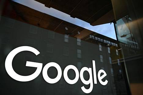 Google on hallinnut isoa osaa verkkomainonnasta. Kuvassa Googlen Euroopan-pääkonttori, joka sijaitsee Dublinissa.