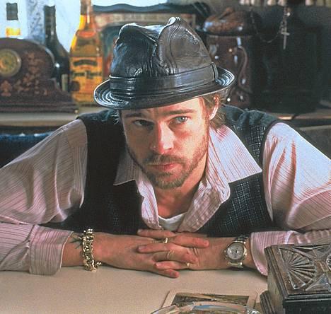 Brad Pitt tekee taitavan roolityön Guy Ritchien toimintakomediassa Snatch – hävyttömät.