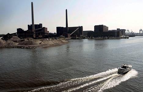Hiilen polttamisen lopettamisesta Salmisaaren voimalassa ei ole vielä tehty päätöstä.