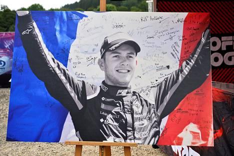 Ranskalainen Anthoine Hubert kuoli lauantaina Belgian Span F2-kilpailussa.