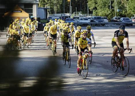Suomalaisten maantiepyöräilijöiden Team Rynkeby -joukkue starttasi Tour de Finlandille perjantaina Vantaalta.