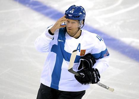 Kimmo Timonen toimi varakipparina olympiapronssia viime talvena voittaneessa Leijona-joukkueessa.