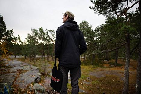 While living in Matinkylä, Juha Hurme often climbed Rajakallio together with his son.