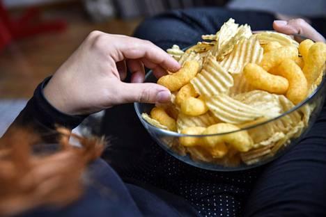 Myös syömisen suhteen nuorelle voi tulla erilaisia vaiheita.