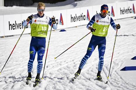 MM-kisojen ladut olivat jo keskiviikkona pehmeää mössöä, kun Juho Mikkonen (vas.) ja Ristomatti Hakola harjoittelivat Oberstdorfissa.
