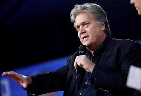 Donald Trumpin turvallisuusneuvonantaja Steve Bannon puhui USA:n konservatiiviaktivistien kokouksessa helmikuussa.
