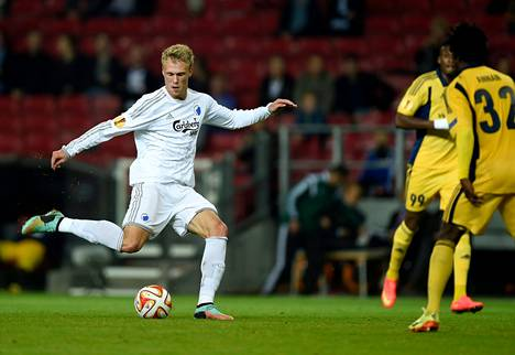 Nikolai Jørgensen (vas.) laukoi FCK:n molemmat maalit.
