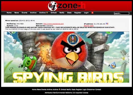 Hakkeroituja sivuja seuraavan Zone-H -verkkopalvelun automaattisista tallenteista löytyvän sisällön mukaan Angry Birdsin kotisivuille oli lisätty Yhdysvaltain kansallisen tiedustelupalvelun NSA:n tunnus ja vaihdettu pelin nimestä sana angry (vihainen) sanaan spying (vakoilevat).