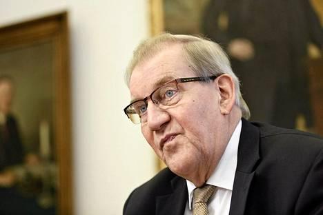 Eduskunnan pääsihteeri Seppo Tiitinen