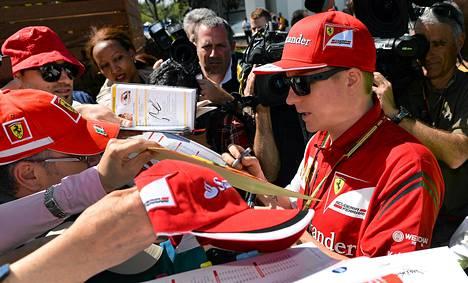 Kimi Räikkösen nimikirjoitus oli haluttu Melbournen GP:ssä.