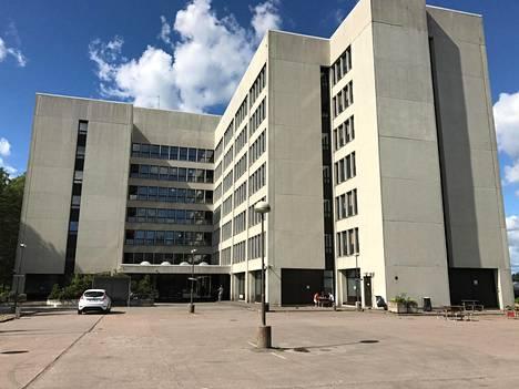Nihtisillan vastaanottokeskus Espoon Kilossa sijaitsee Tiedon entisessä pääkonttorissa.